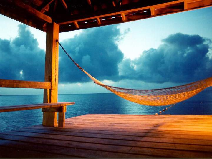 tropical-beach-hammock-3